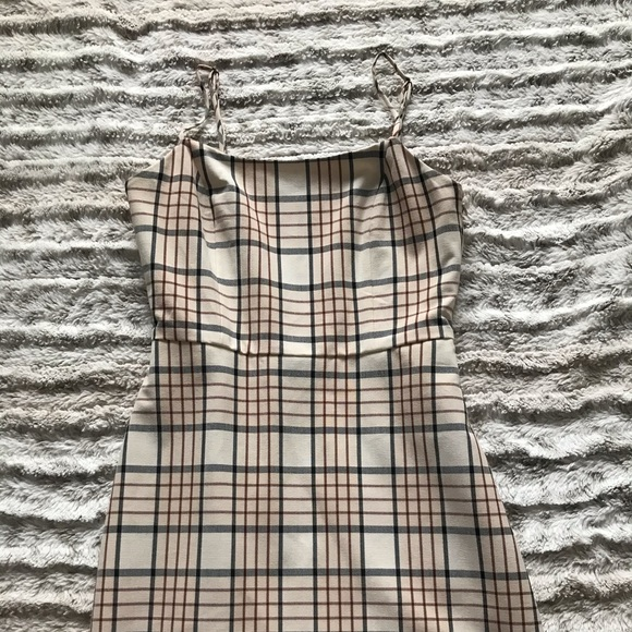 Aritzia Dresses & Skirts - Wilfred Isabelle Plaid Dress